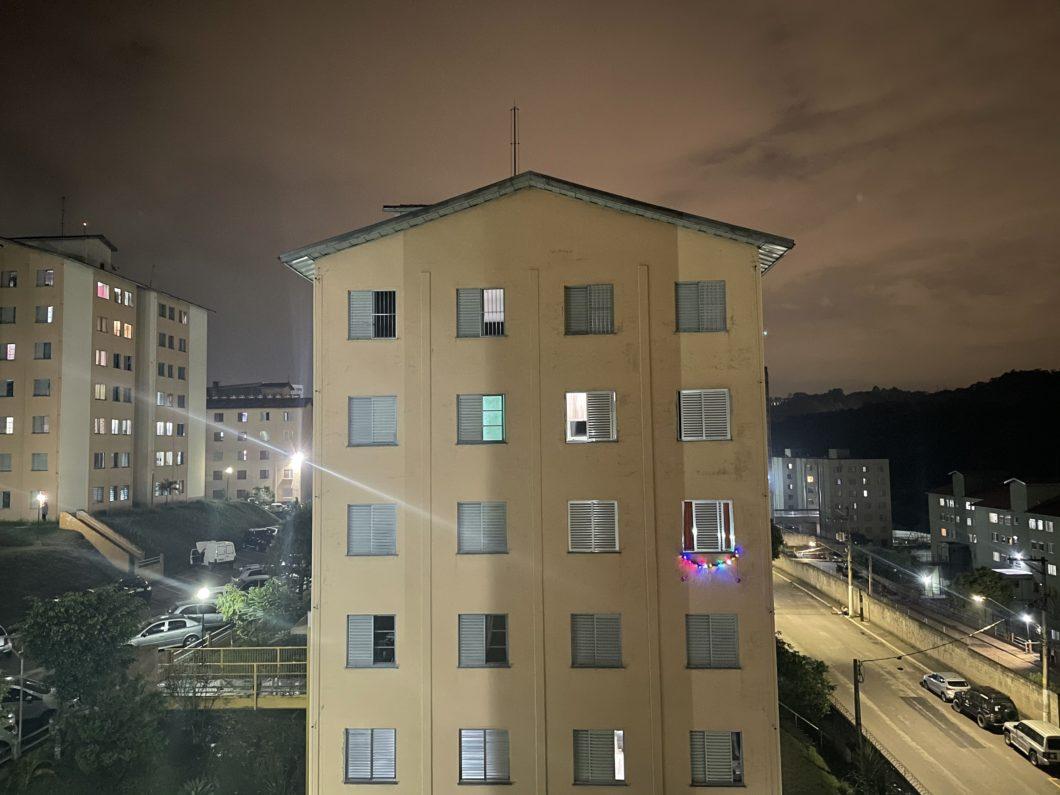 Foto tirada com a câmera principal do iPhone 12 no modo Noite (Imagem: Darlan Helder/Tecnoblog)