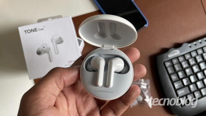 Fone LG Tone Free FN6 (Imagem: Darlan Helder/Tecnoblog)