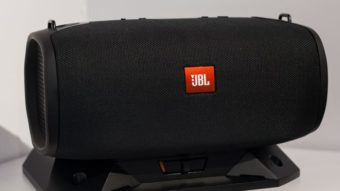 Alto-falante portátil JBL BassPro Go para carros passa na Anatel