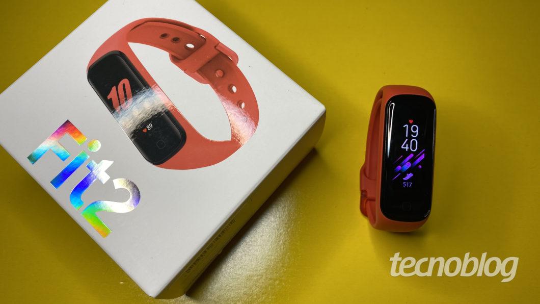 Smartband Samsung Galaxy Fit 2 (Imagem: Darlan Helder/Tecnoblog)