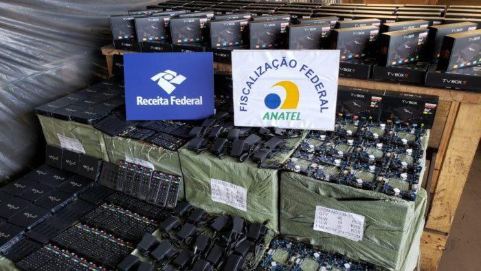 Fiscalizações da Receita e Anatel apreenderam 70 mil TV Box (Imagem: Divulgação/Receita Federal)