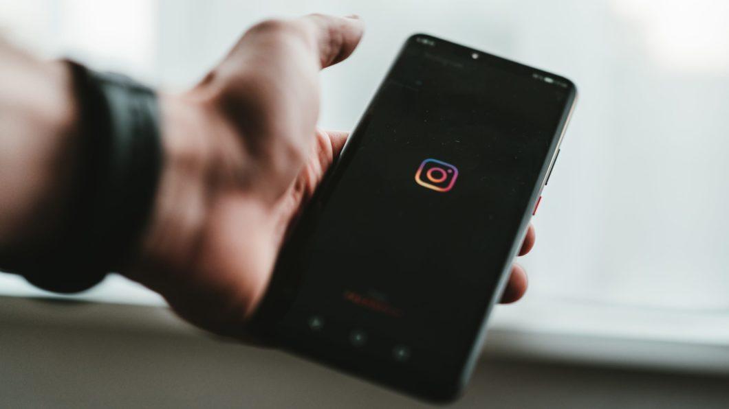 Usuários do Instagram enfrentam problemas para entrar em suas contas devido à autenticação por selfie de vídeo  (Imagem: Claudio Schwarz Purzlbaum/Unsplash)