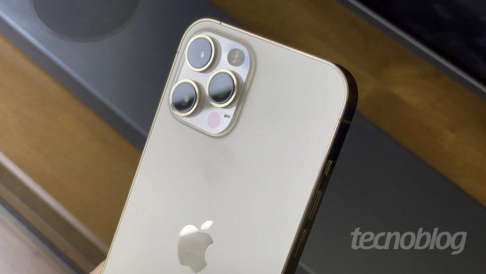 Apple iPhone 12 Pro Max, sem 6G (Imagem: Paulo Higa/Tecnoblog)