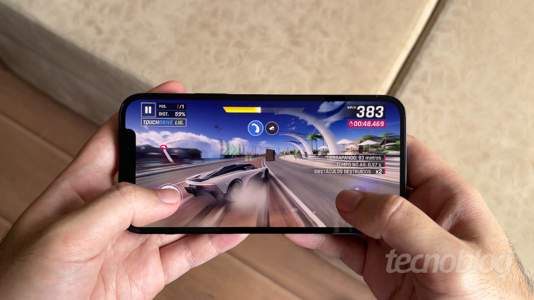 iPhone 12 Pro (Imagem: Paulo Higa/Tecnoblog)