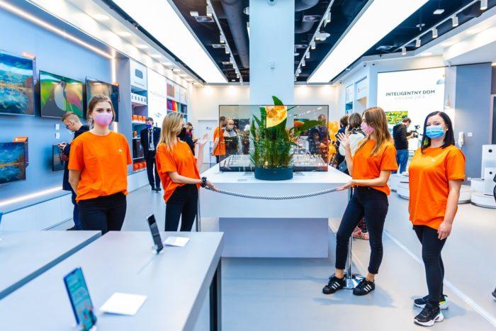 Xiaomi inaugura Mi Store na Polônia (Imagem: divulgação/Twitter)