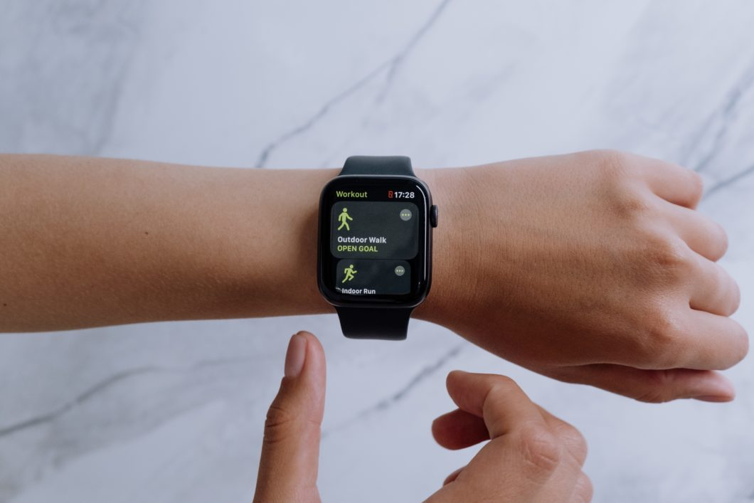 Apple Watch (image: Cottonbro / Pexels)