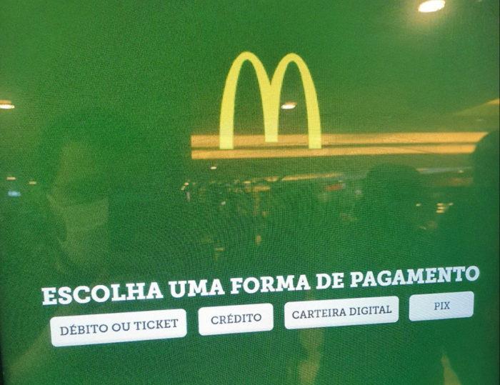 Pix no McDonald's (Imagem: César de Tassis Filho)