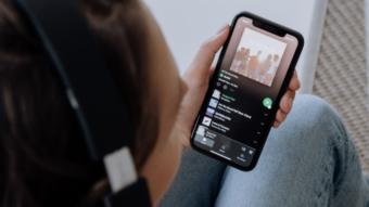 Como limpar a fila de músicas no Spotify [Controlar reprodução]