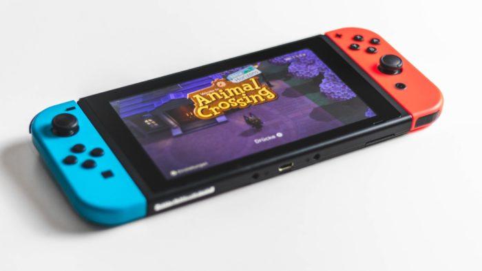 Nintendo Swtich (Imagem: Sara Kurfess / Unsplash)