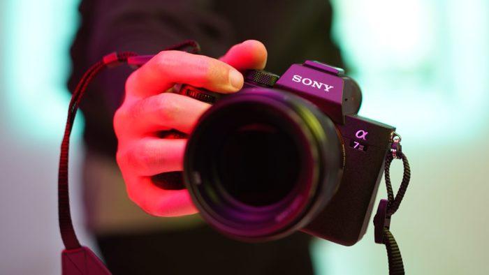 Câmera Sony (Imagem: The Registi /Unsplash)