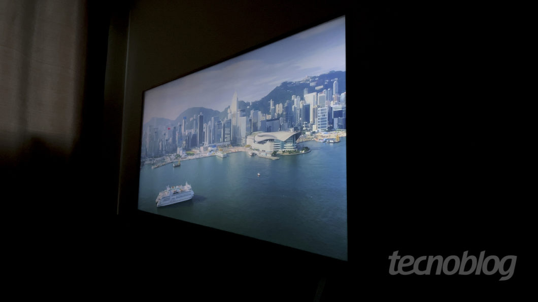 4K TV LG UN8000 (Image: Paulo Higa / Tecnoblog)