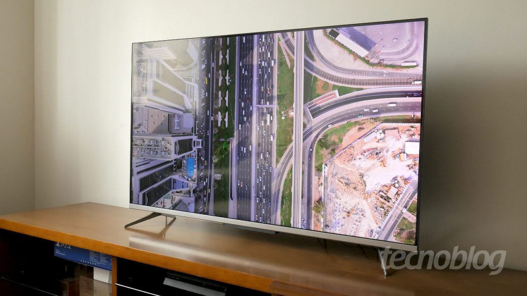 4K TV TCL P715 (Image: Paulo Higa / Tecnoblog)