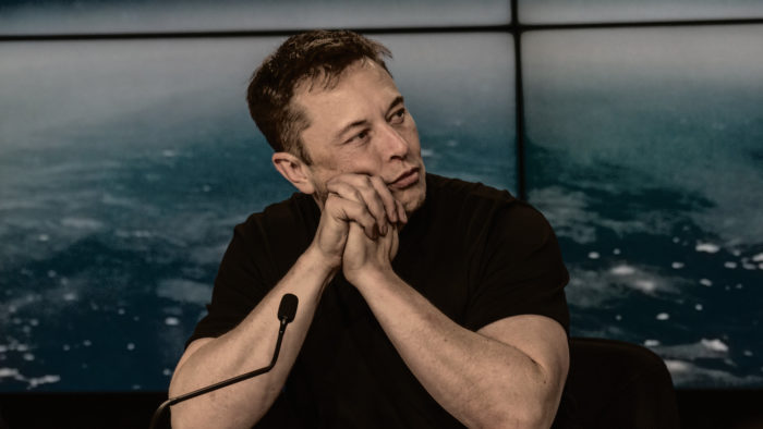Elon Musk, CEO da Tesla, volta a falar de bitcoin no Twitter (Imagem: Daniel Oberhaus/Flickr)