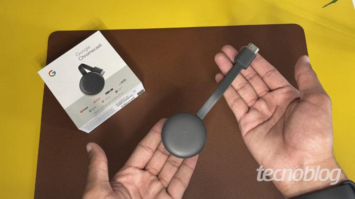 Chromecast (Imagem: Darlan Helder/Tecnoblog)