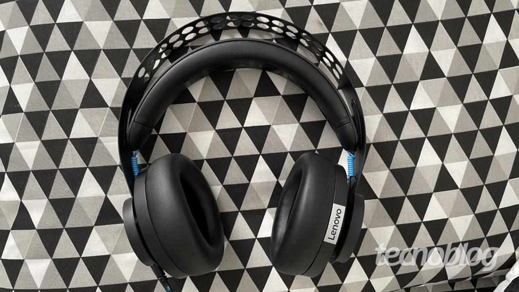 Lenovo Gamer Legion H300 Headset (Image: Darlan Helder / Tecnoblog)