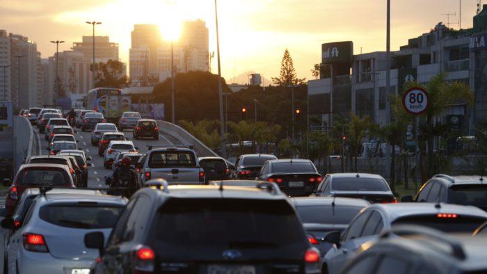 Heavy traffic in Barra da Tijuca, Rio de Janeiro (Image: Fernando Frazão / Agência Brasil)