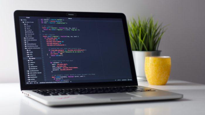 O que é JavaScript? / Clement Helardot / Unsplash