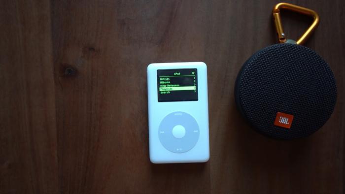 sPot, um iPod Classic modificado para tocar músicas do Spotify (Imagem: Reprodução/Guy Dupont/YouTube)
