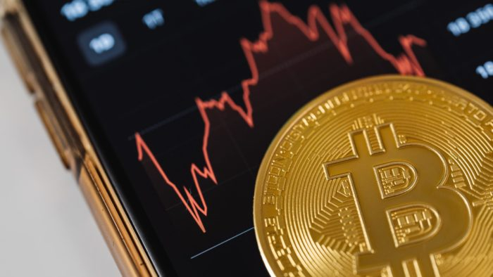 Bitcoin encosta nos US$ 29 mil, seu pior preço desde 22 de junho (Imagem: Karolina Grabowska/Pexels)