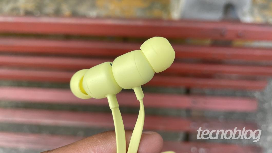 Beats Flex (Imagem: Darlan Helder/Tecnoblog)