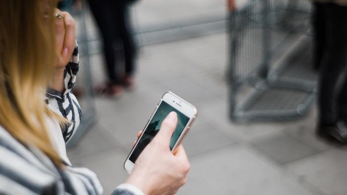 Como cadastrar um celular pré-pago na Anatel (Imagem: John Tuesday/Unsplash)