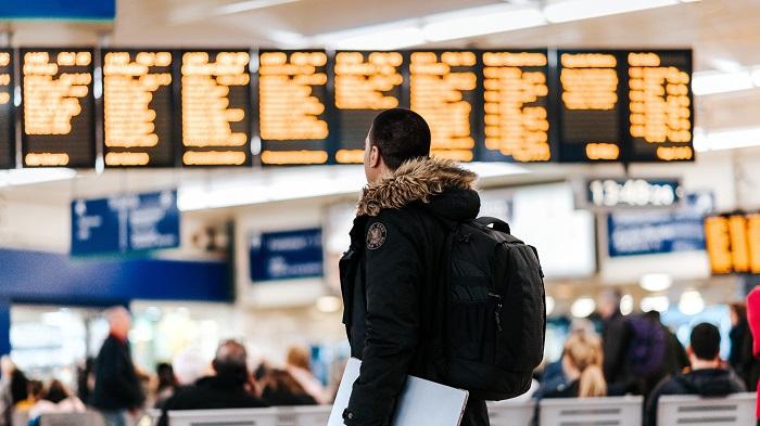 Como saber se meu voo foi cancelado? (Imagem: Anete Lusina/Unsplash)