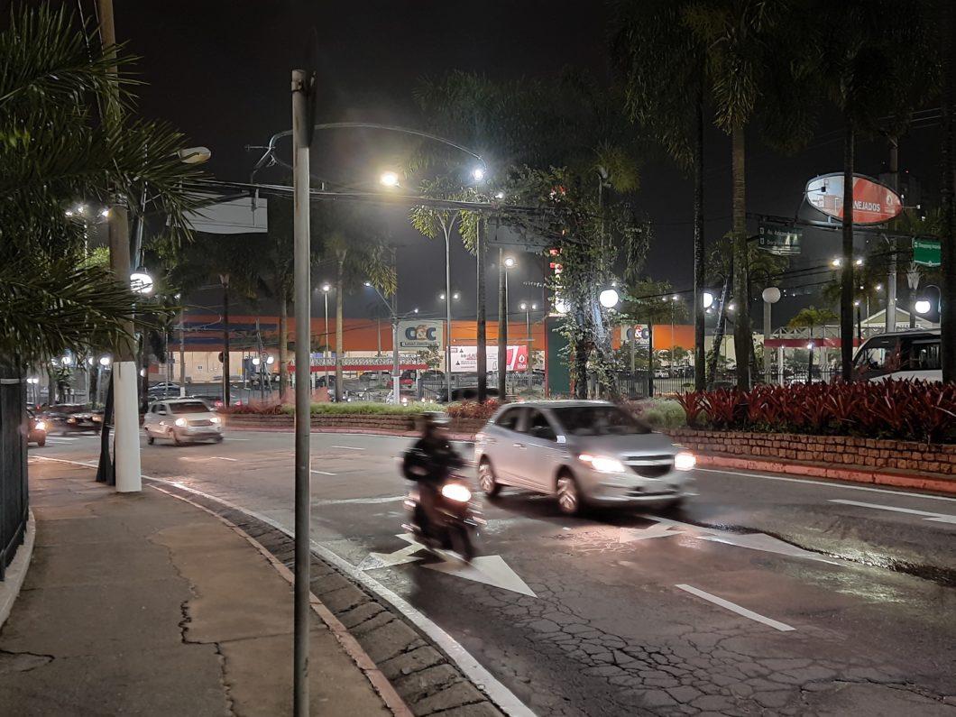 Foto tirada com a câmera principal + modo noturno do Samsung Galaxy M21s (Imagem: Darlan Helder/Tecnoblog)