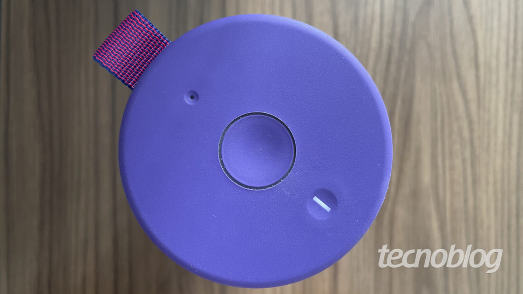 Ultimate Ears Megaboom 3 (Imagem: Darlan Helder/Tecnoblog)