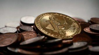 Apostando no bitcoin, duas empresas compram US$ 1 bilhão em criptomoeda