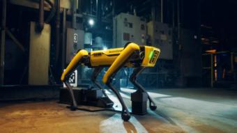 Cão-robô Spot ganha recarga automática de bateria e controle via web