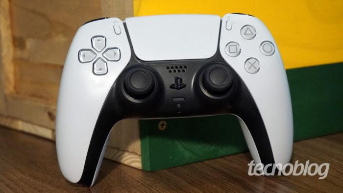 DualSense do PlayStation 5 (Imagem: André Fogaça/Tecnoblog)