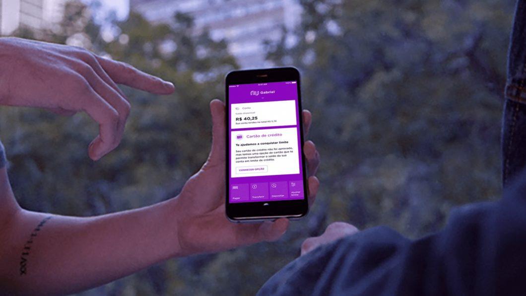 Nubank na tela do <a href='https://meuspy.com/tag/Espione-celulares'>celular</a> (Imagem: Divulgação)