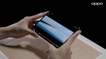Celular da Oppo com tela enrolável carrega bateria à distância; veja vídeo