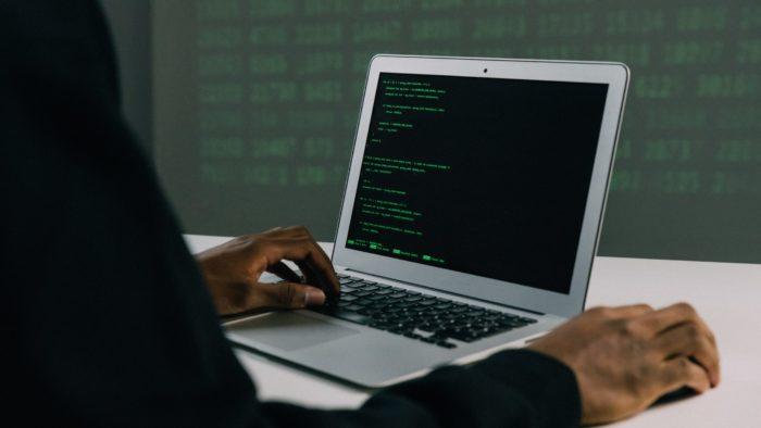 Hacker (Imagem: Mati Mango/Pexels)