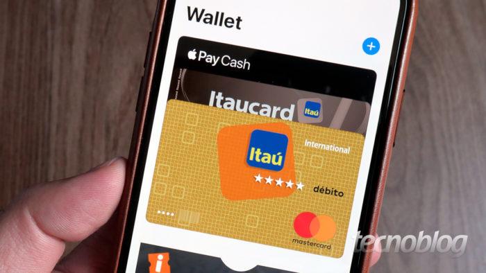 Cartões de crédito no Apple Pay (Imagem: Paulo Higa/Tecnoblog)
