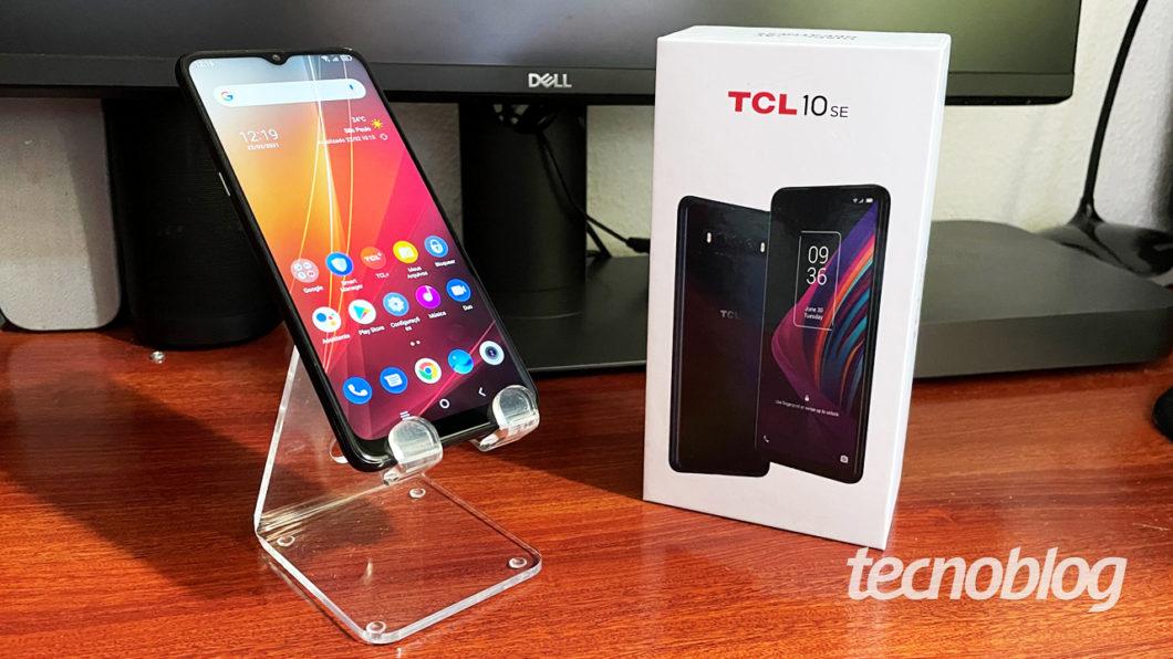 TCL 10 SE (imagem: Emerson Alecrim/Tecnoblog)