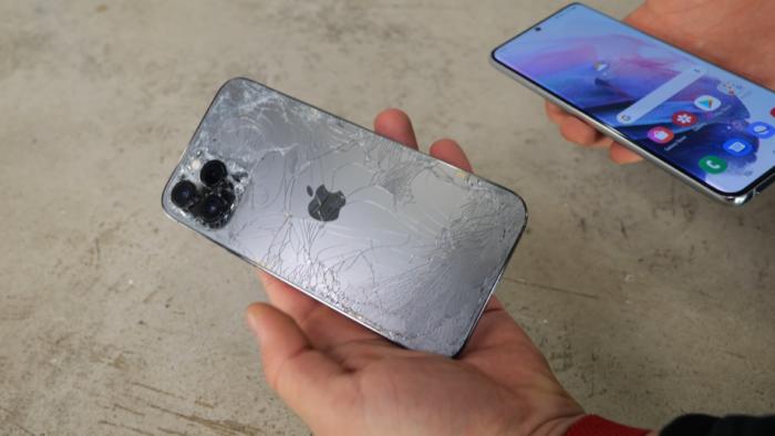 iPhone 12 Pro Max e Galaxy S21 Ultra passam por teste de quedas