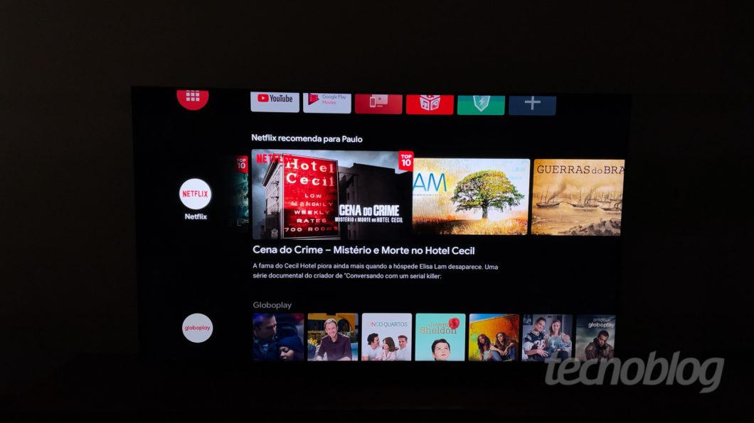 TV QLED TCL C715 (Imagem: Paulo Higa/Tecnoblog)
