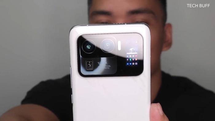 Suposto Xiaomi Mi 11 Ultra (Imagem: Reprodução/Tech Buff PH/YouTube)