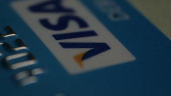Visa começa a permitir liquidação de pagamentos com criptomoeda