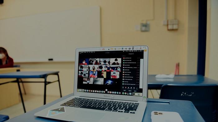 Como anexar um arquivo no Google Classroom (Imagem: Lucas Law/Unsplash)
