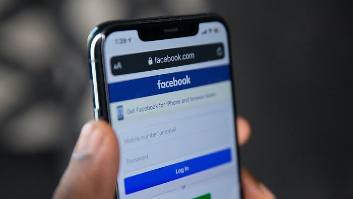 Site do Facebook no celular