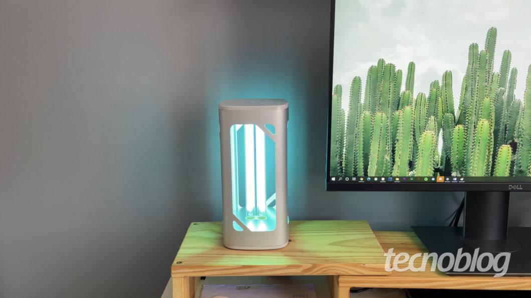 Luminária de mesa Philips UV-C (Imagem: Darlan Helder/Tecnoblog)