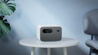Mi Smart Projector 2 Pro é um projetor com Android TV e Google Assistente