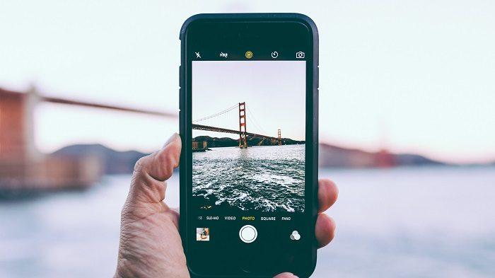 Como cortar fotos no celular [iOS e Android] / Photo by Edgar Chaparro on Unsplash / Reprodução