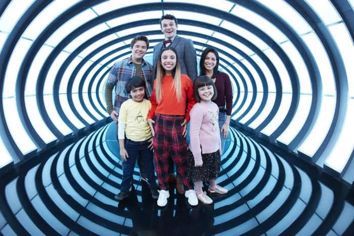 Gabby Duran: Babá de Alien(Imagem: Divulgação/Disney)