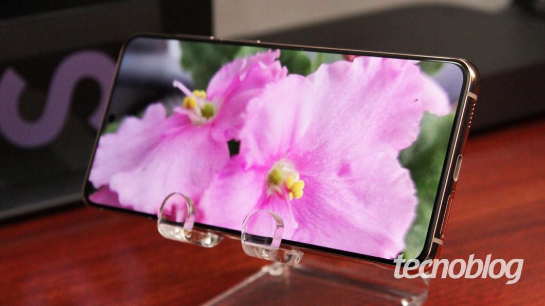 Tela do Samsung Galaxy S21+ (imagem: Emerson Alecrim/Tecnoblog)