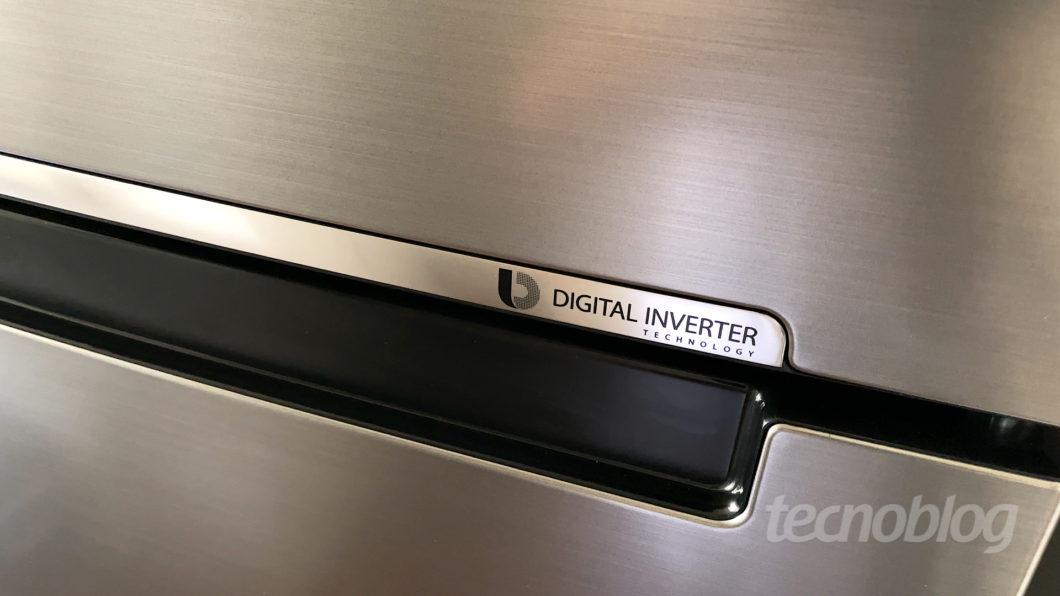 Geladeira Samsung Evolution RT46 com PowerVolt (Imagem: Paulo Higa/Tecnoblog)