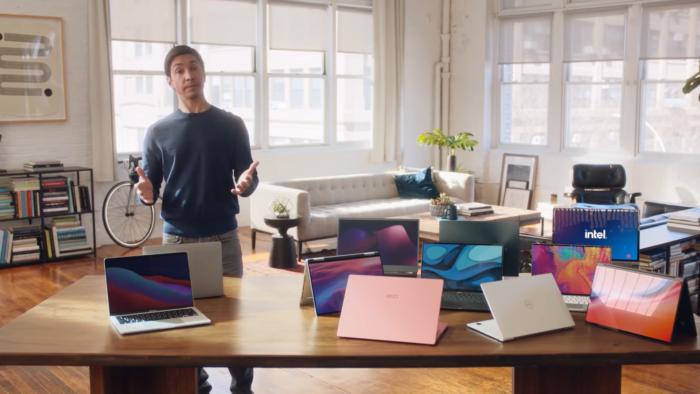 Intel estreia campanha para comparar PCs e Macs com Apple M1 (Imagem: Reprodução/Intel/YouTube)