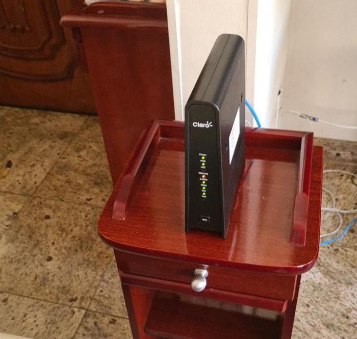 Modem Humax usado pela Claro Fibra (Imagem: David Diniz/Acervo pessoal)